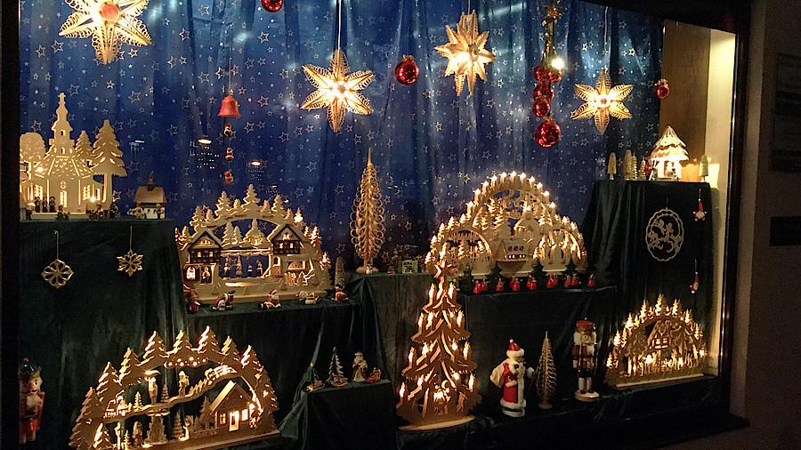 Weihnachtsdeko Extravagant.Die Schaufenster Der Leser Apotheke Adhoc