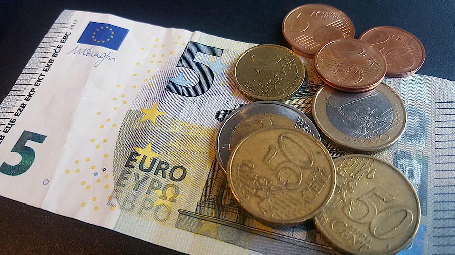 Anstieg in zwei Stufen: Kabinett stimmt höherem Mindestlohn zu