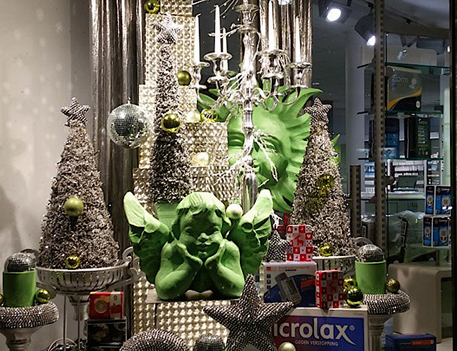 Weihnachtsdeko schaufenster kaagenbraassemvoetbal - Schaufenster dekorieren ideen ...