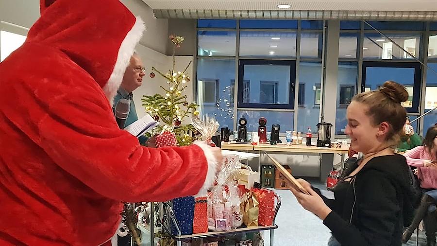 Weihnachtsfeier Heilbronn.Apotheker Weihnachtsmann Für Pta Schüler Apotheke Adhoc